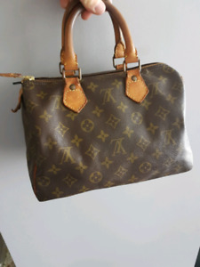 AUTHENTIC LOUIS VUITTON SPEEDY 25 VINTAGE WITH LOCK&KEY $400only
