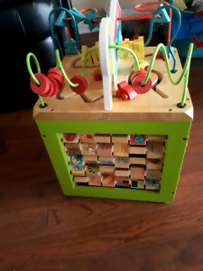 Play cube - wooden