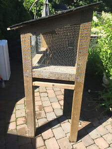 SMALL ANIMAL/BIRD/QUAIL CAGE FOR SALE - VERY SECURE AND EASY