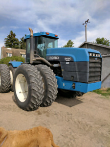 Ford Versatile 9680 tractor