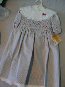 Girls vintage smocked dress size 4 New With Tags