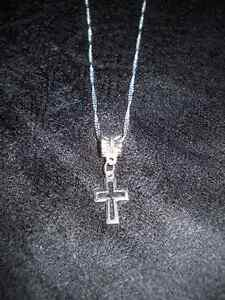 -  Cross pendant on 22 in chain 925 silver.NEW