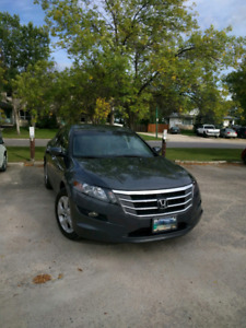 Honda Crosstour EXL 2012 4WD Clean title excellent condition