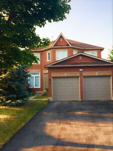 Richmond Hill 4 Bedroom Detached House for Rent Top school Zone