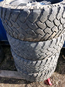 285 55 22 Nitto Trail Grapplers