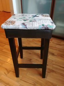 Set of stools 4