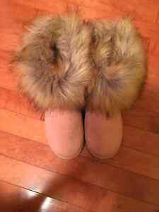 Uggs size 7 brand new so warm and cozy