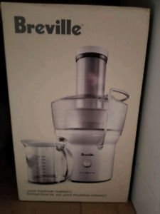 Breville juicer never used brand new in box