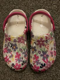 Croc style shoe. Size 12.