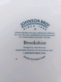 Johnson bros dinner set