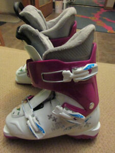 Nordica Little Belle Ski Boots Junior Ski Boots Size 24.5