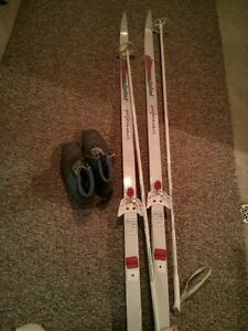 CROSS COUNTRY SKIS WITH POLES & BOOTS