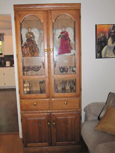 ATTRACTIVE DISPLAY CHINA CABINET