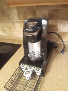 Keruig coffee maker with cups holder and Tim H c