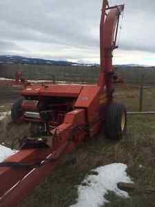 2002 New Holland FP230 forage harvester and hi-dump wagon