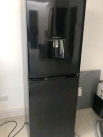 Black samsung water dispenser frost free fridge freezer
