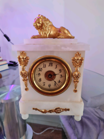 Vintage style marble clockwork clock. Serviced and working