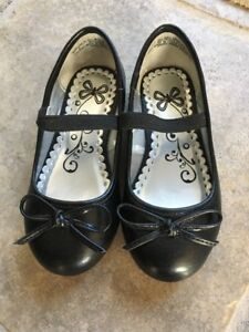 The childrens place black shoes size 8