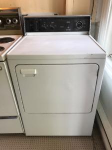 Électroménagers (frigo, cuisinière, laveuse et sécheuse) OBO