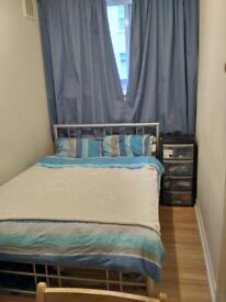 Furnished Double Room in SW17. Bills Inclusive.