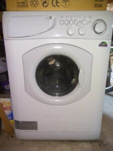 Defective Ariston Washer Dryer Combo Awd121 For Parts Or Repair
