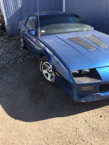 Selling 1989 Iroc Z T-top