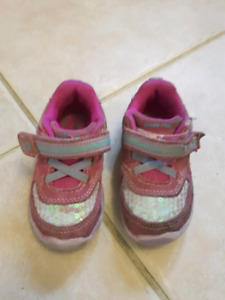 Free play condition Stride Rite & Robeez shoes