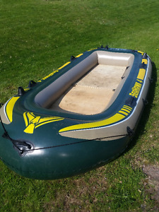 Intex Seahawk 4, 4-Person Inflatable Boat Set + Motor