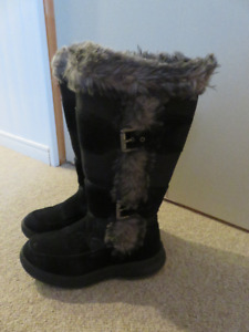 Winter Boots - Cougar - Women's size 7M