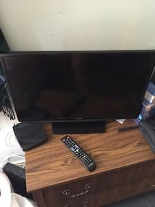 24 inch Samsung TV -- Almost new!