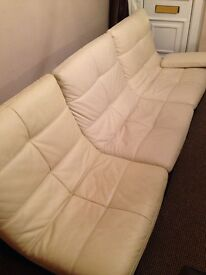 Absolutely stunning 3 seater/2 seperate matching chair leather sofa suite