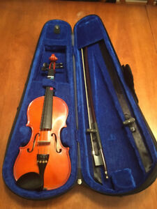 Fiddle for sale, 1/4 size, in great condition.
