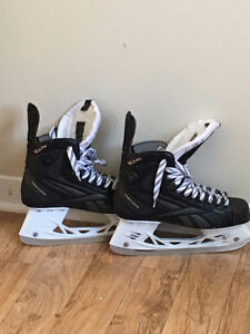 MINT CONDITION REEBOK SC26 RIBCORE SKATES NEED GONE SIZE 8.5PUMP