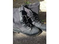 Jungle boots size 6
