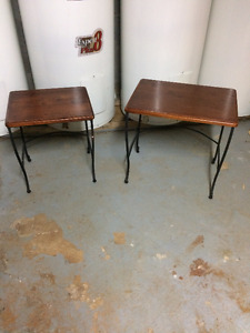 2 tables a cafe 1 miroir 2 chaises de bar tete de lit berceuse