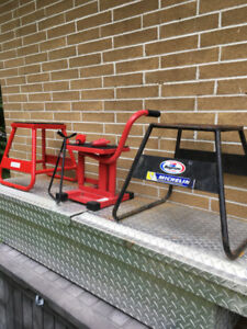dirt bike stands 125 to 650cc plus gas cans