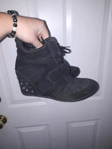 Loved boots but still good size 10 $5