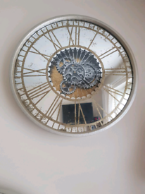 Fabulous Large Mirrored Gold Round Wall Clock Brand New