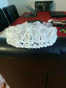 Wedding Dress and Head Piece with Veil for Sale