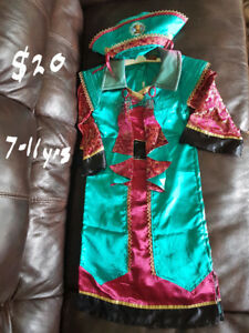 2 Disney Pirates of the Caribbean - Elizabeth Swann costumes/dre