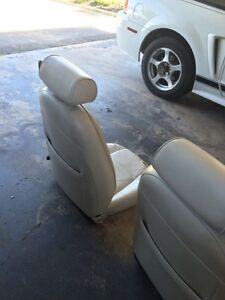 2002 Mustang Convertible leather seats white Cambridge Kitchener Area image 8