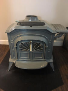 Vermont Castings Resolute wood fireplace