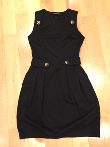 Black Dress Sz 6 (But fits a tad smaller) - Good Condition