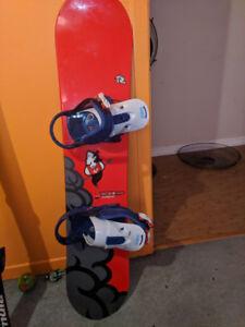 Planche à neige enfants Rossignol 116cm fixation Burton et botte