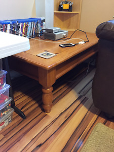 Solid wood lift top coffee table