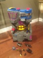 Bat cave with accessories