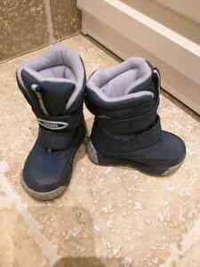 cougar winter boots , size 6m