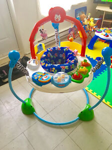 Saucer jumperoo