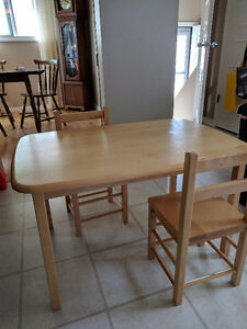 Solid Wood Kids Desk/Table and 2 Chairs $50