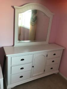 Furniture - dresser